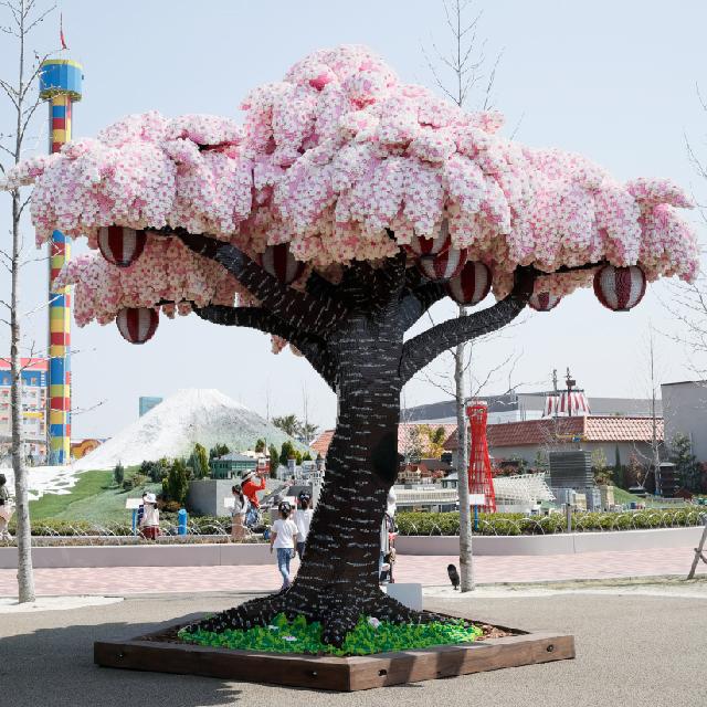 El árbol de Cerezo hecho con LEGO